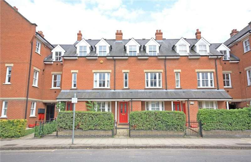 4 Bedrooms Terraced House for sale in Ravensworth Gardens, Cambridge, CB1