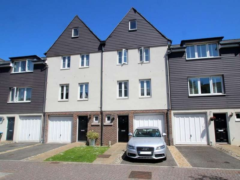 3 Bedrooms Terraced House for sale in Pier Road, Littlehampton