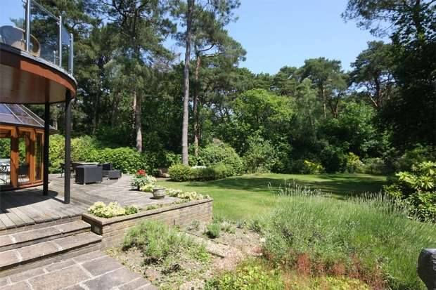 6 Bedrooms Detached House for sale in 18 Western Road, Poole, Dorset