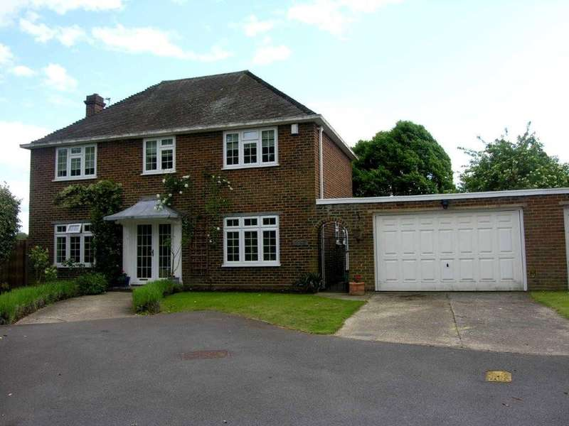 4 Bedrooms Detached House for sale in Village Road, Dorney, SL4