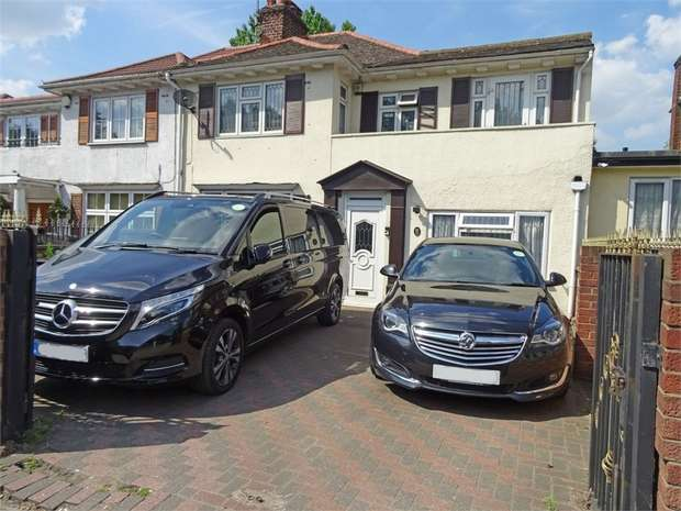 6 Bedrooms Semi Detached House for sale in Langdale Gardens, Perivale, Greenford, Greater London