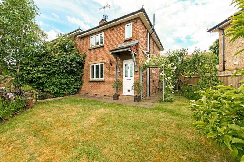 3 Bedrooms Semi Detached House for sale in Hazel Road, Berkhamsted