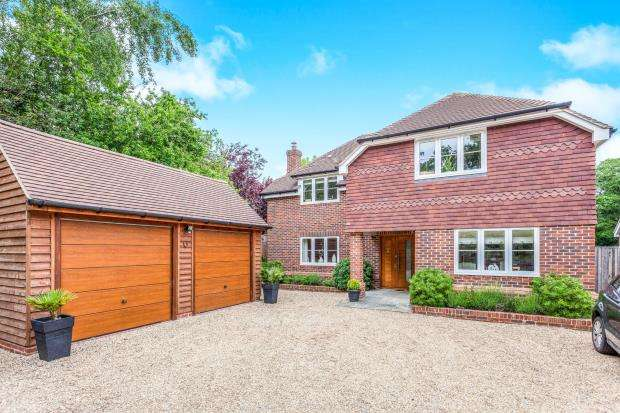 4 Bedrooms Detached House for sale in Ifold, Billingshurst, West Sussex