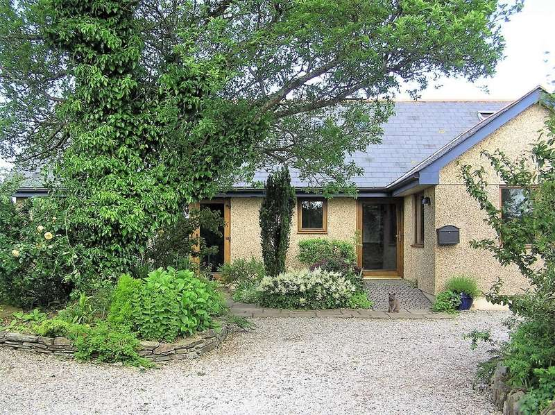 3 Bedrooms Detached Bungalow for sale in Goonbell, St. Agnes, Cornwall