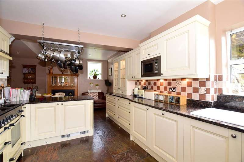 6 Bedrooms Link Detached House for sale in Church Street, Burham, Rochester, Kent