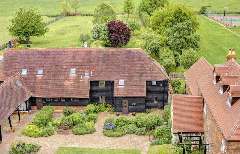 5 Bedrooms Barn Conversion Character Property for sale in Anderdons Farm, Thame Road, Longwick, Princes Risborough, Buckinghamshire, HP27