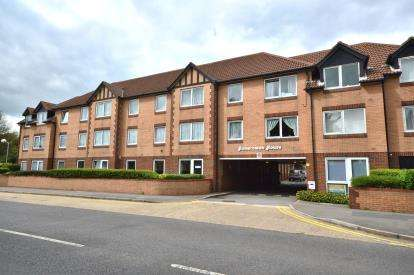 1 Bedroom Retirement Property for sale in Station Road, Thorpe Bay, Essex