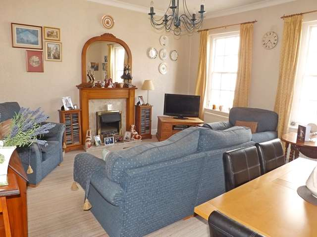 2 Bedrooms Apartment Flat for sale in Vine Street, Evesham