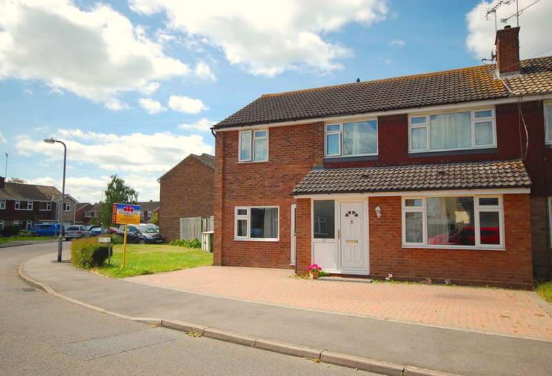 4 Bedrooms Semi Detached House for sale in Masefield Road, Maldon, CM9