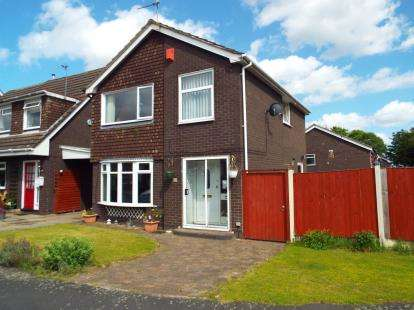 3 Bedrooms Detached House for sale in Lincoln Close, Runcorn, Cheshire, WA7