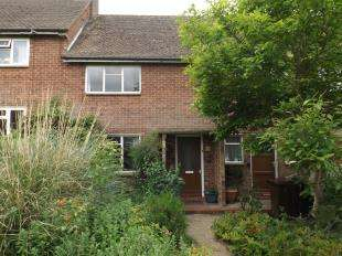 3 Bedrooms Terraced House for sale in Heathfield Gardens, Robertsbridge, East Sussex