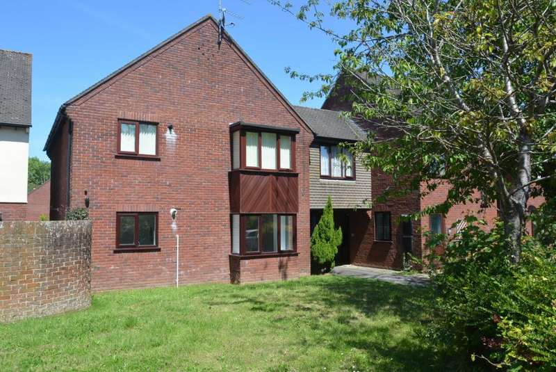 2 Bedrooms Flat for sale in WIMBORNE
