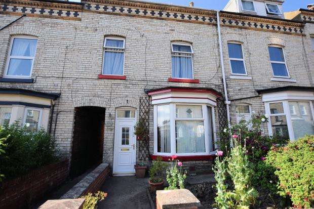 4 Bedrooms Town House for sale in Gladstone Street, Scarborough, North Yorkshire YO12 7BN