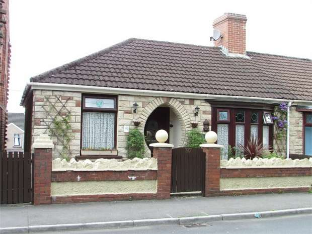 3 Bedrooms Semi Detached House for sale in Pant Yr Heol, Briton Ferry, Neath, West Glamorgan