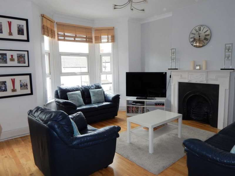 3 Bedrooms Apartment Flat for sale in Pine Road, Cricklewood