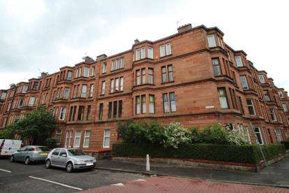 2 Bedrooms Flat for sale in Rhynie Drive, IBROX, Glasgow