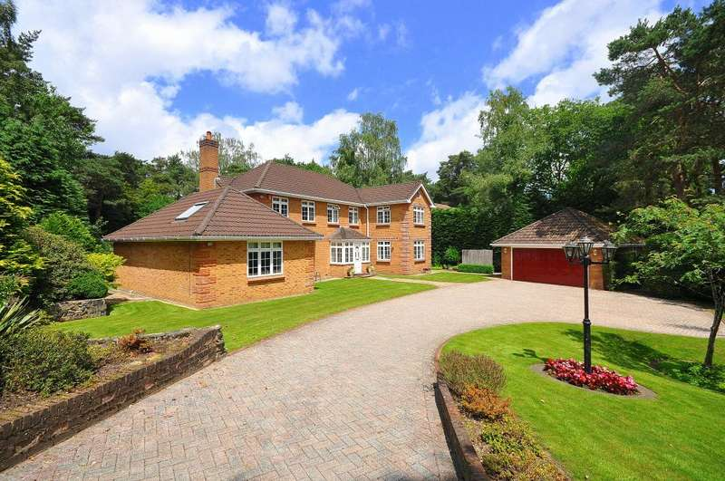 4 Bedrooms Detached House for sale in The Chase, Ringwood, BH24 2AN