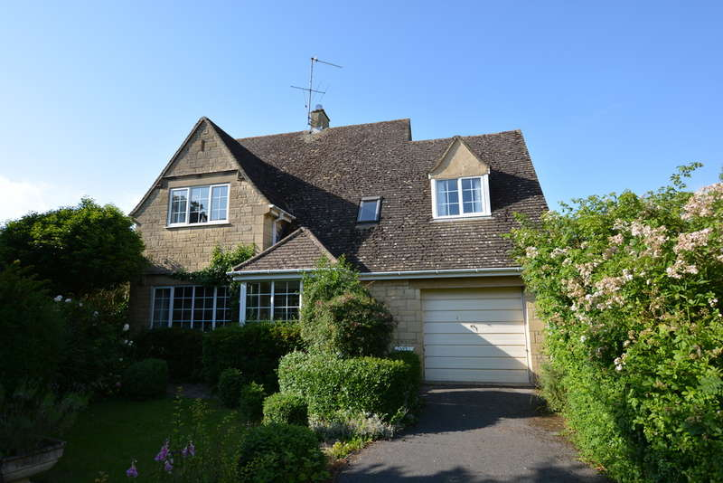 3 Bedrooms Detached House for sale in High Street, Kempsford