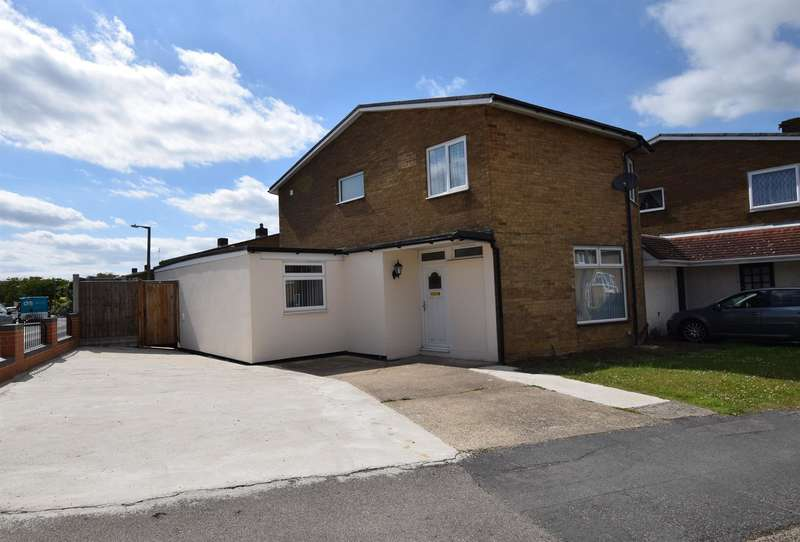 3 Bedrooms Detached House for sale in Little Brays, Harlow, CM18