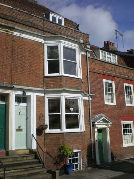 4 Bedrooms Town House for sale in Mansion Row, Gillingham, Kent, ME7