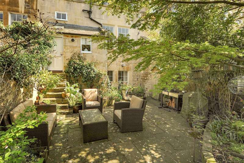 2 Bedrooms Flat for sale in Marlborough Buildings, Bath, BA1