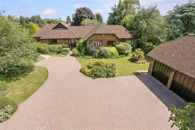 3 Bedrooms Detached Bungalow for sale in River Gardens, Bray, Maidenhead, Berkshire, SL6