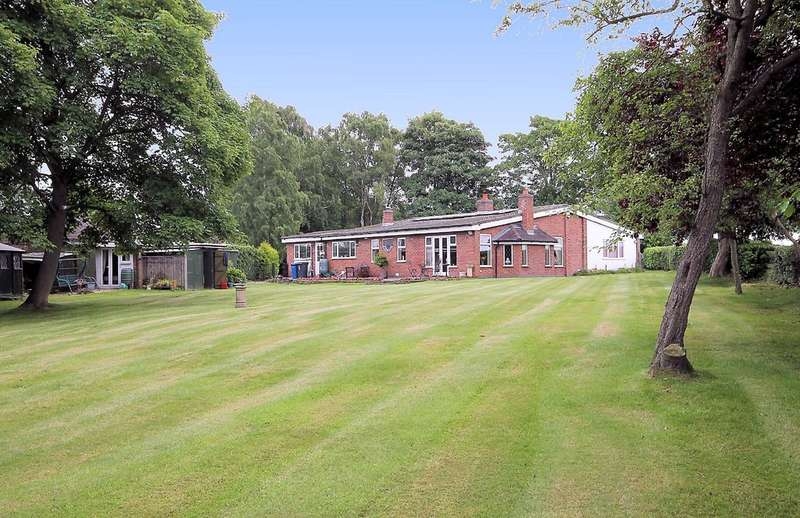 3 Bedrooms Detached Bungalow for sale in West Pines, Comberford, Nr. Tamworth, B79 9BA