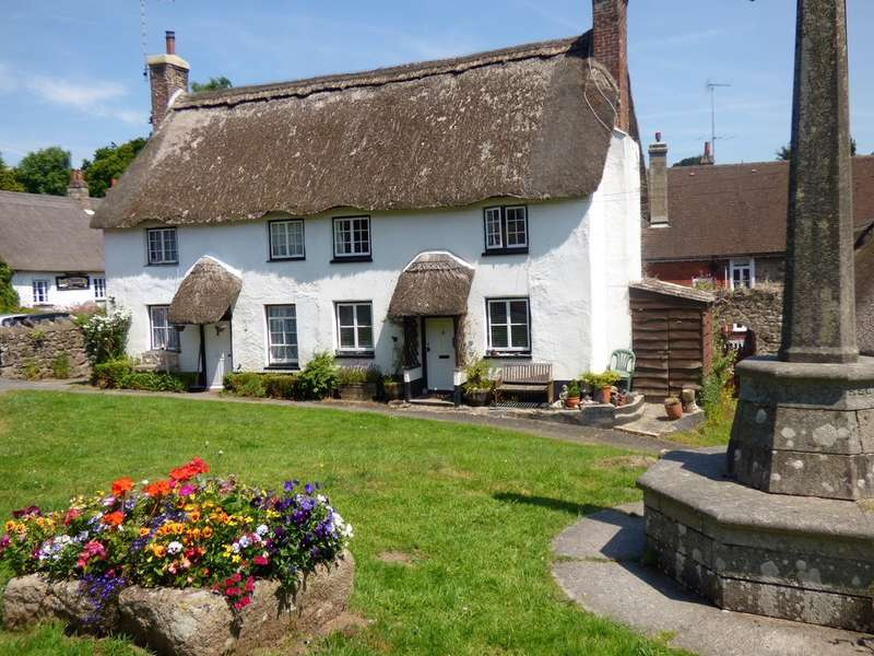 2 Bedrooms Cottage House for sale in Pound Cottage, Lustleigh