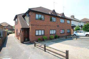 2 Bedrooms Maisonette Flat for sale in Willow Court, 113-115 Heath Lane, Dartford, Kent