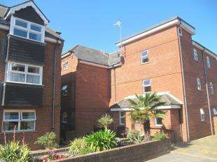 1 Bedroom Flat for sale in Crowne House, Star Road, Eastbourne, East Sussex