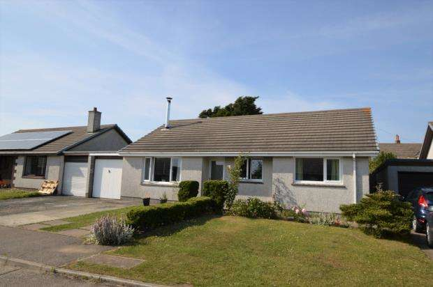 3 Bedrooms Bungalow for sale in Angevran Meadow, Cubert, Newquay, Cornwall