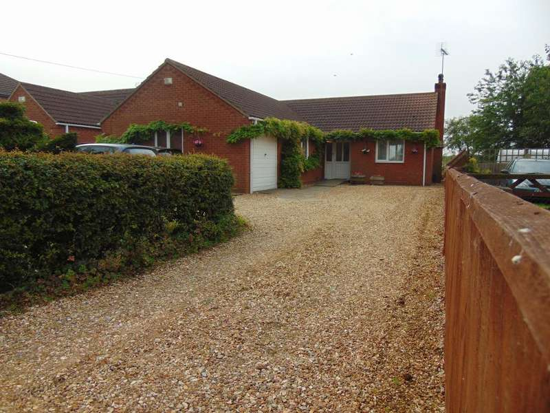 3 Bedrooms Detached Bungalow for sale in Station Road, Wisbech, Tydd Gote, Cambs, PE13 5QA