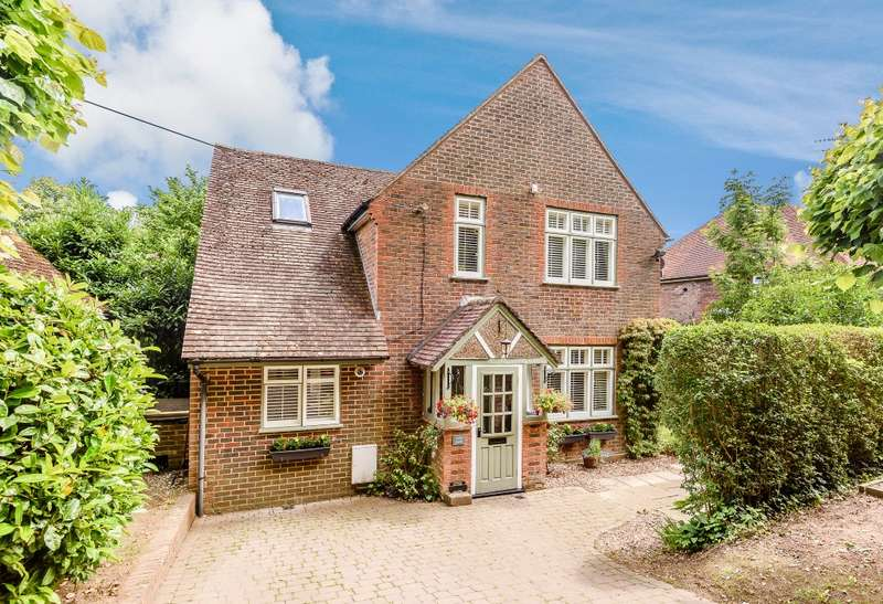 4 Bedrooms Detached House for sale in Witley