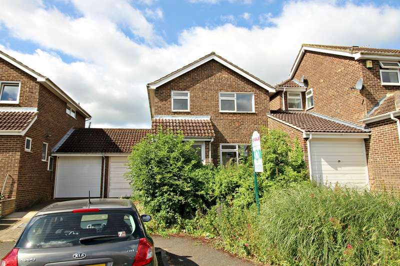 3 Bedrooms Semi Detached House for sale in Girons Close, Hitchin, SG4