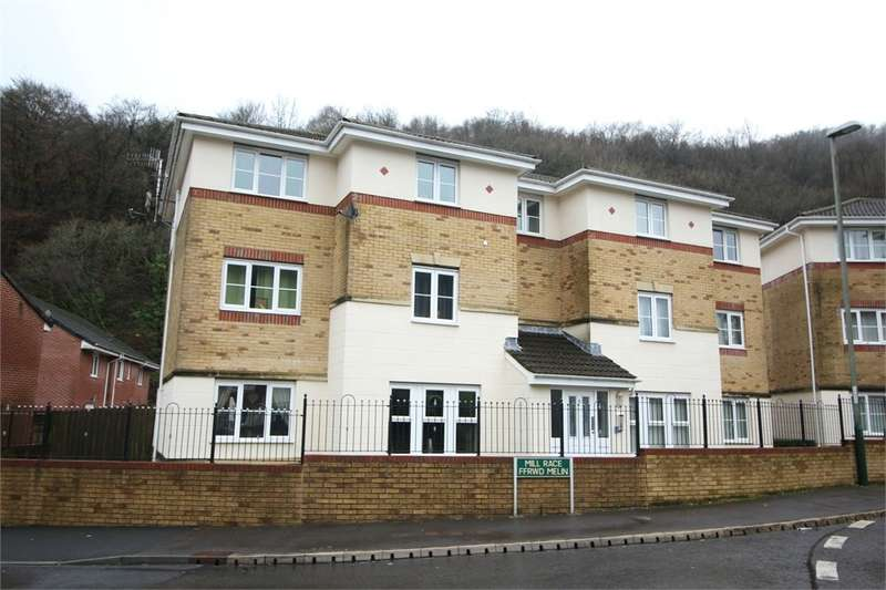 2 Bedrooms Apartment Flat for sale in Coed Celynen Drive, Abercarn, Newport, NP11
