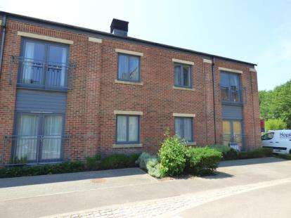 2 Bedrooms Flat for sale in 2 Searle Drive, Gosport, Hampshire