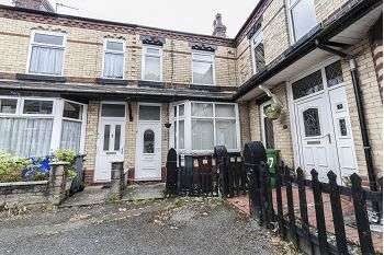 2 Bedrooms Terraced House for sale in Eastwood Avenue, New Moston, Manchester, M40