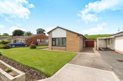 3 Bedrooms Bungalow for sale in Tan Y Bryn, St. Asaph, Denbighshire, North Wales, LL17