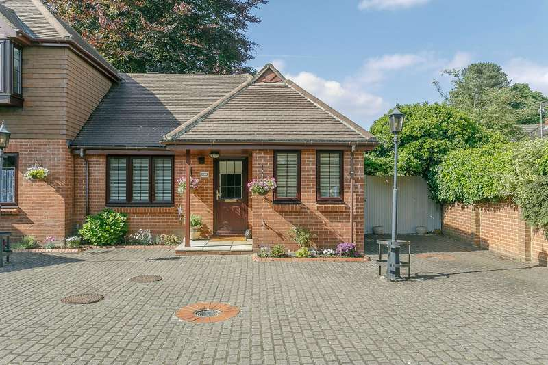 1 Bedroom Semi Detached Bungalow for sale in Chobham