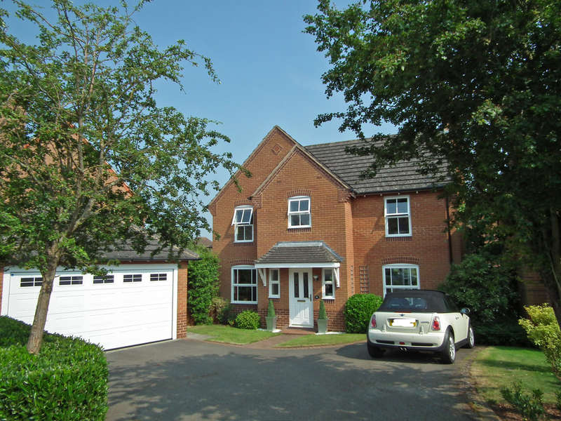 4 Bedrooms Detached House for sale in St. Lawrence Way, Tallington