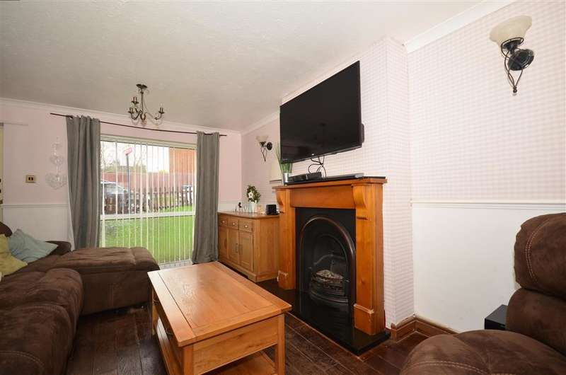 3 Bedrooms Terraced House for sale in St. Francis Close, Deal, Kent