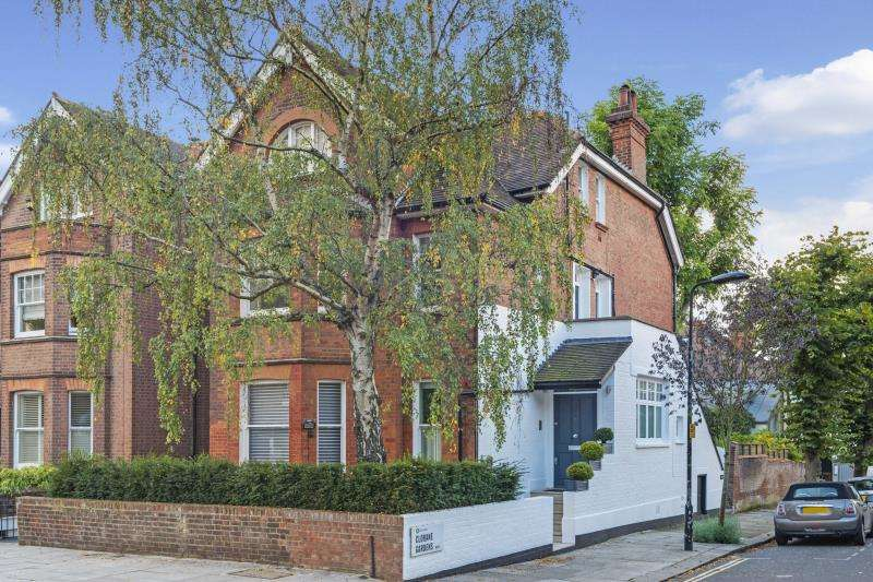 2 Bedrooms Flat for sale in Platts Lane, Hampstead