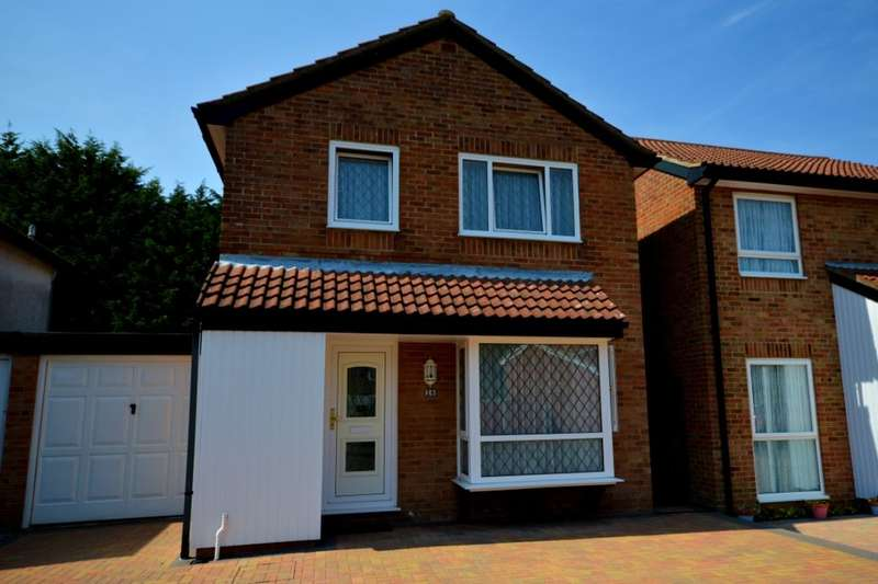 3 Bedrooms Detached House for sale in Cloisterham Road, Rochester, ME1