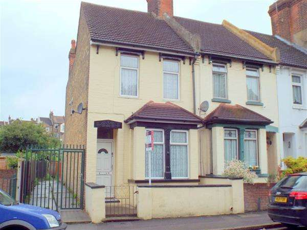 4 Bedrooms End Of Terrace House for sale in Cliffe Road, Strood, Rochester
