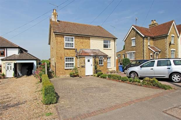 2 Bedrooms Semi Detached House for sale in The Street, Bapchild, Sittingbourne, Kent