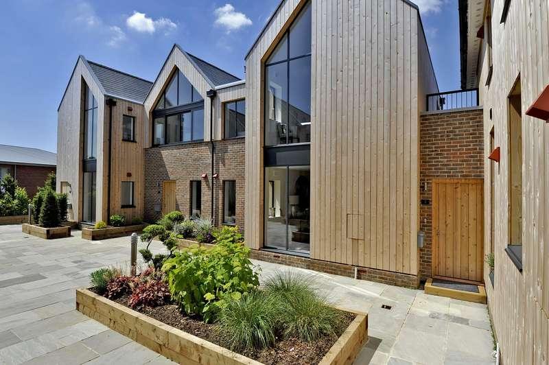 2 Bedrooms Flat for sale in Grange Road, Midhurst, GU29