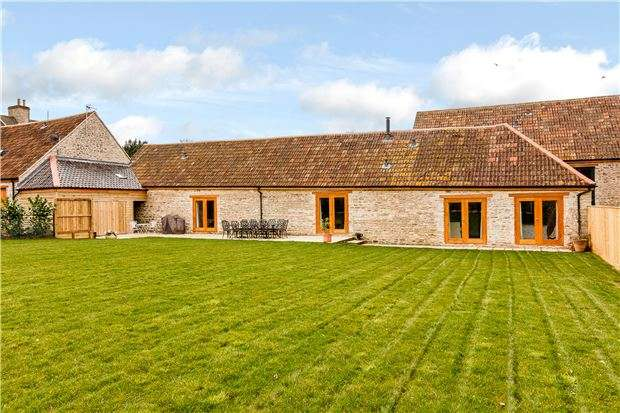 3 Bedrooms Detached House for sale in Uplands Farm Barns, Wellsway, Burnett, NR BATH, BS31 2SZ