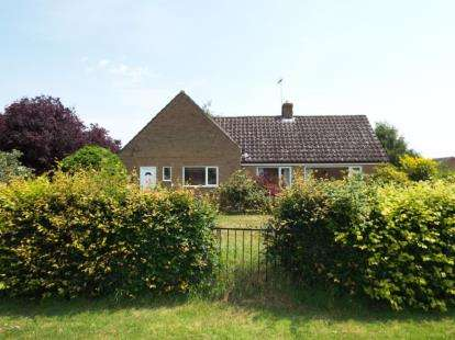 4 Bedrooms Bungalow for sale in Boughton, King's Lynn, Norfolk