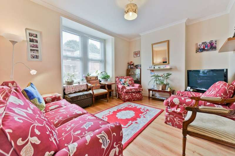3 Bedrooms Terraced House for sale in Wearside Road, London SE13