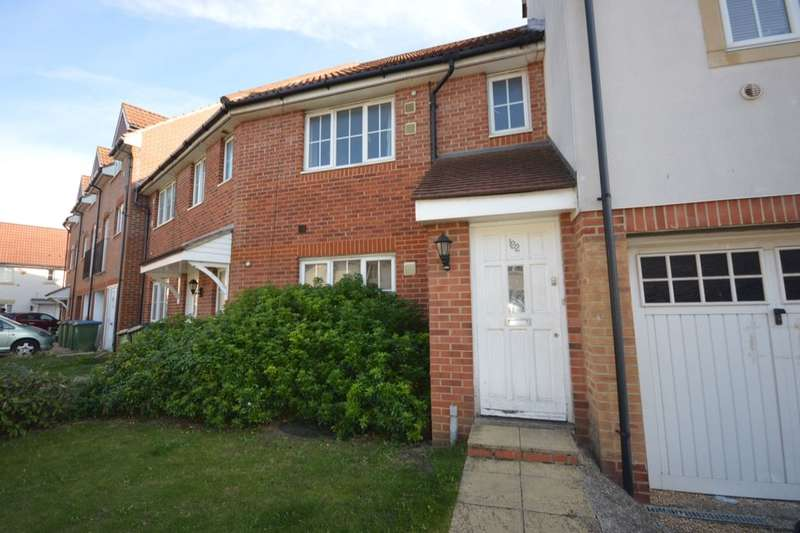 2 Bedrooms Flat for sale in Waterside Close, Central Thamesmead , London, SE28